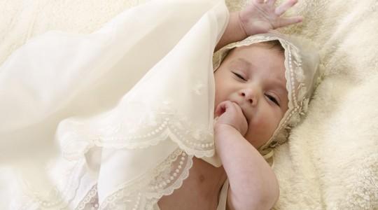 ¿Bautizo en verano? cómo vestir a tu bebé