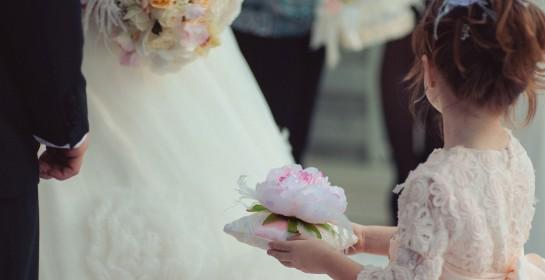 Cómo vestir a los niños de ceremonia según la edad